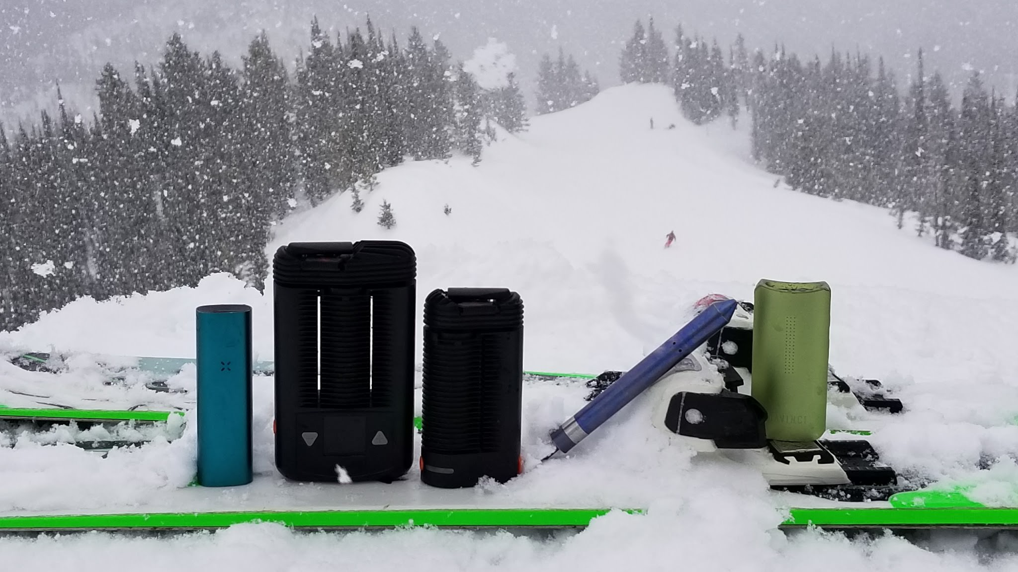 Top Portable Vaporizers For Skiing and Snowboarding
